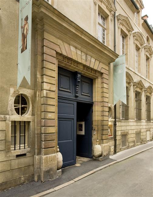 porte façade musée magnin